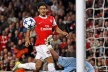 Carlos Vela wants Bolton to a competitor of Martin Petrov, Wenger still wonder