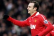 Berbatov with two further goals to pull United title