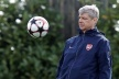 Wenger: Manchester United is under pressure