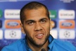 Dani Alves continued his contract with Barca until 2015