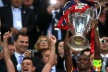 Eric Abidal first lifted the trophy: I can not describe the emotions