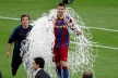 Pique defeated Wembley - shoulder network door