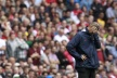 Wenger: No chance to resign