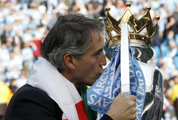 After the title, Sheikh Mansour overlaid Mancini and promised new one