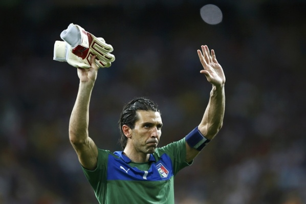 The goalkeeper Buffon takes № 10 shirt at Juventus?