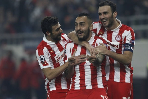 Olympiakos defeat Arsenal and leave Schalke first in the group, although the X with Montpellier
