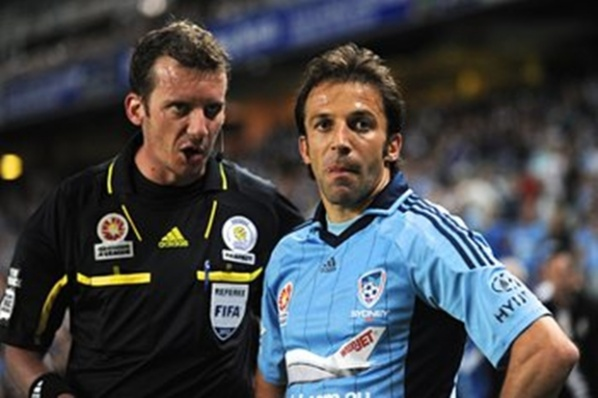 Del Piero remained in Sydney and in the next season