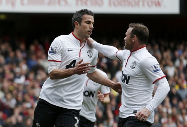 Van Persie frustrated Arsenal and more tied the fight for fourth place