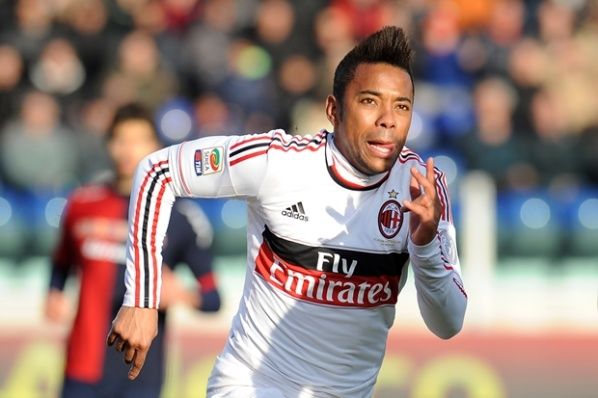 Santos asks Milan for Robinho... again