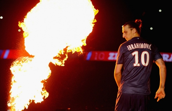 Region: Zlatan stays in Paris