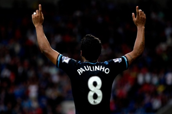Tottenham will offer a new contract to Paulinho