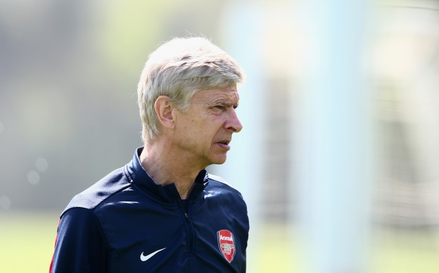 Wenger: Balotelli rumors are a complete lie