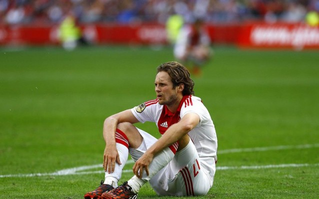 Ajax will release Blind only against super offer