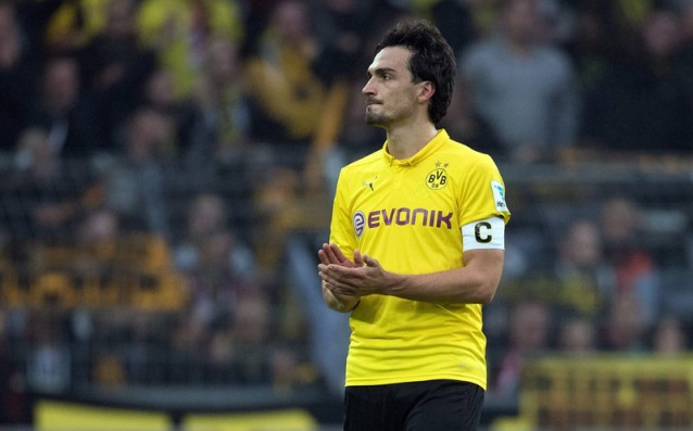 Mats Hummels out for three weeks