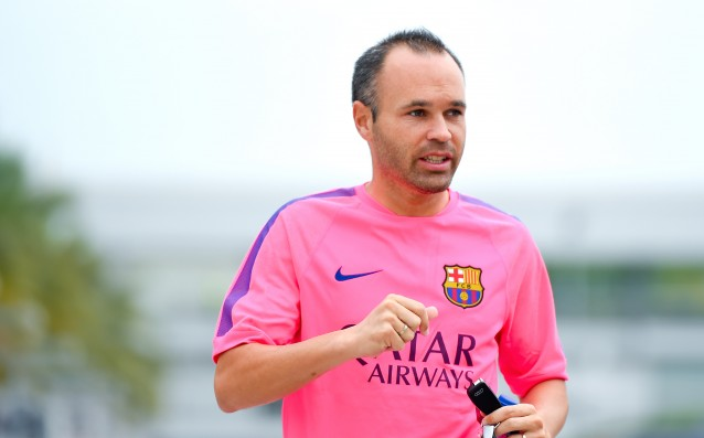 Andres Iniesta recovers in a plan