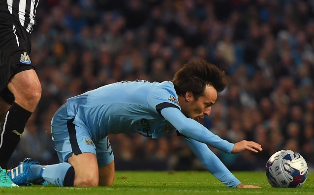 David Silva resumed training with City
