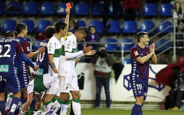 Elche has a vital success out in the battle for survival