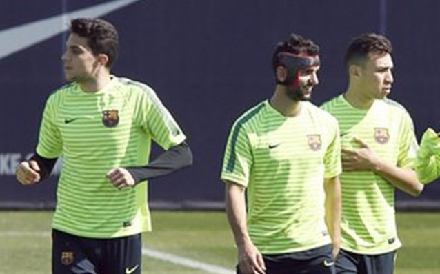Martin Montoya trains with a special mask