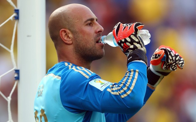 Pepe Reina: 'I prefer the bench of Bayern Munich, and not that of Liverpool.'