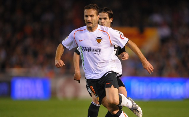 A former player of Valencia became the coach of Elche