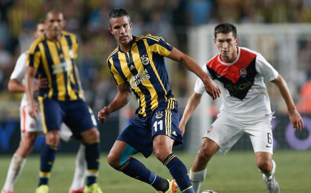 Fenerbahce did not deal with Shakhtar in the debut of Van Persie