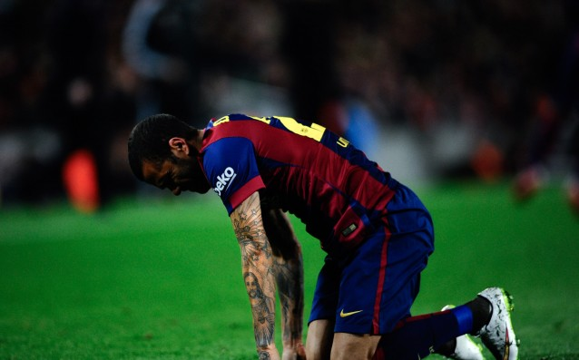 Dani Alves may be out of the game for about a month