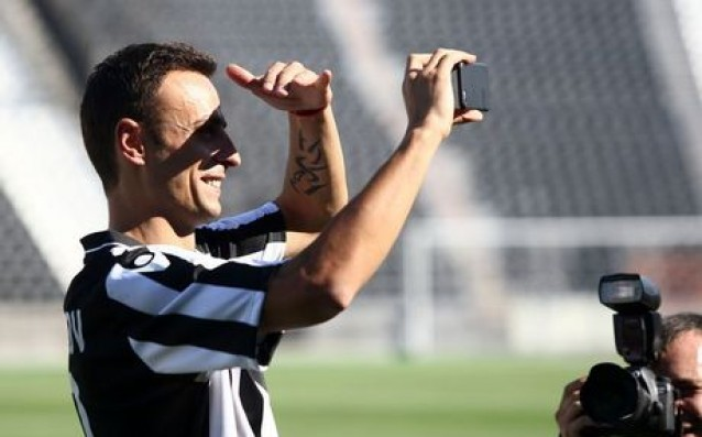 Berbatov was voted player of the match Atromitos vs. PAOK