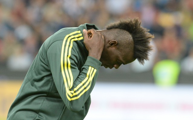 Balotelli will be out for a month after a successful surgery