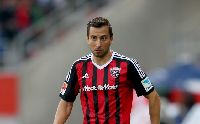 Defender of Ingolstadt is with a broken leg