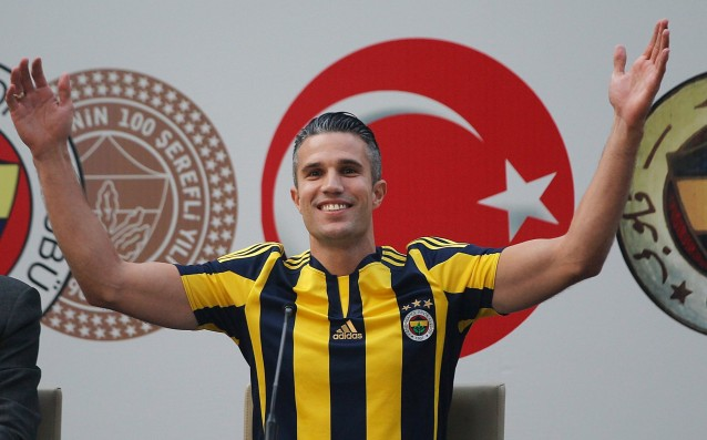 Van Persie doesn't want to be in Chelsea and Barcelona, he is happy in Turkey