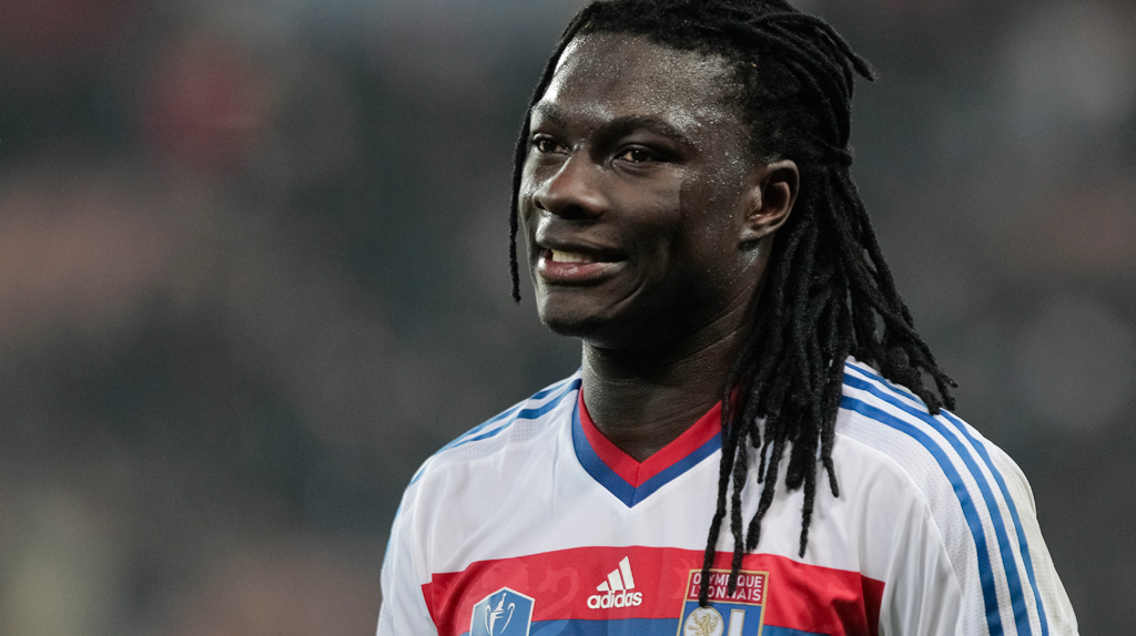 Gomis met with his teammates by �?Football Manager'