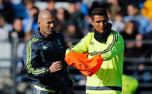 Zidane teaches Ronaldo how to perform fouls