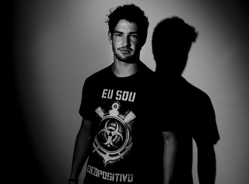 Pato will play in Chelsea as a rental