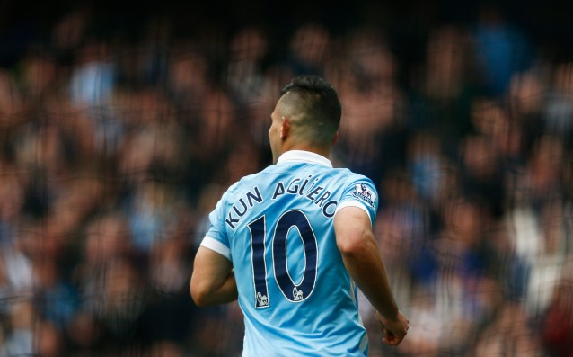 City offered a new contract to Aguero