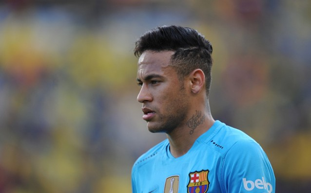 It does not seem that Neymar has problems with his shoulder