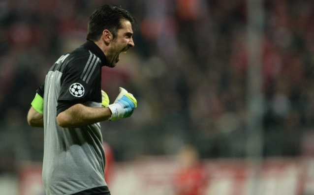 Buffon: 'Even if someone offered me double money, I would stay in Juve.'