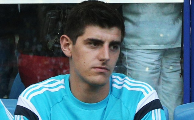 Hiddink convinces Courtois to stay in Chelsea