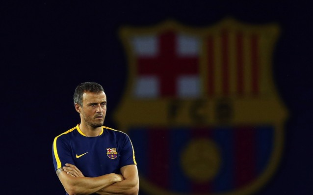 Luis Enrique called a meeting with his players