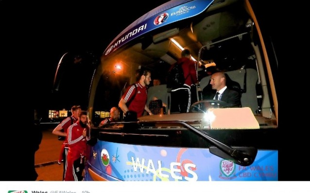 The national Welsh team arrived in France