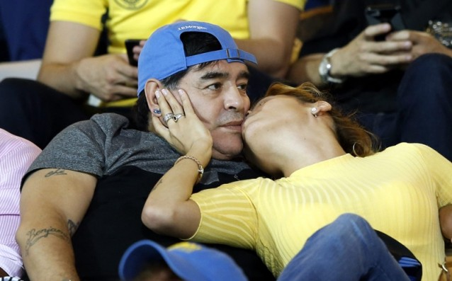 Maradona offer to take over Argentina for free