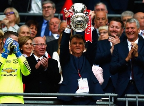 Mourinho: 'I dedicate the trophy to van Gaal.'