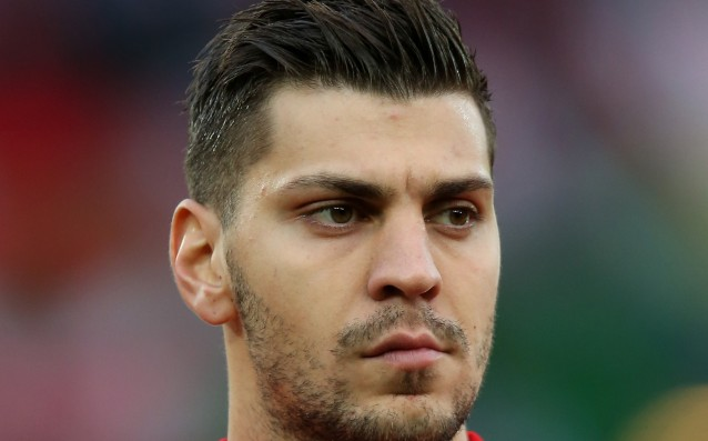 Official: Leverkusen took Alexander Dragovic.