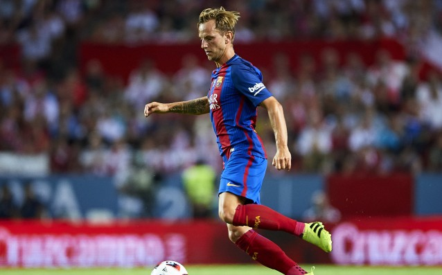 Rakitic played two weeks with a ligament damage