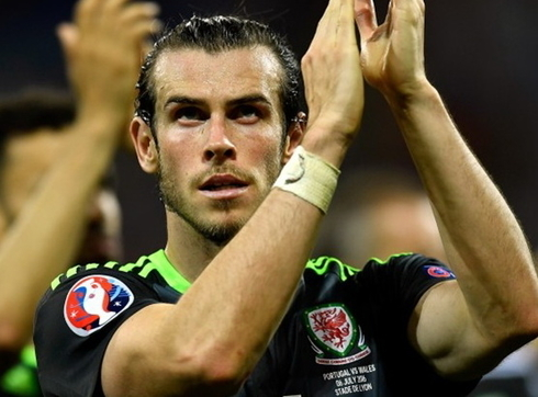 Bale for the fourth consecutive time became the player of the year in Wales
