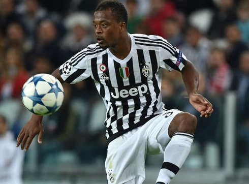 Patrice Evra is going to join Schalke 04