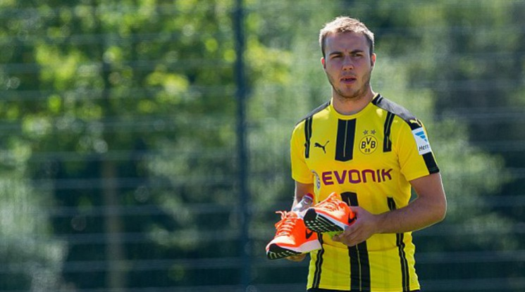 Gotze will be out until the end of the season