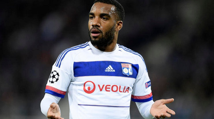 Alexandre Lacazette will join Atletico Madrid