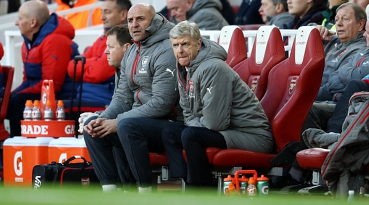 'Wenger has to stay at Arsenal!'