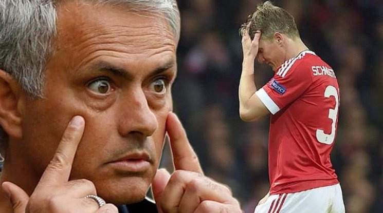 Mourinho is feeling sorry about letting Schweinsteiger leave