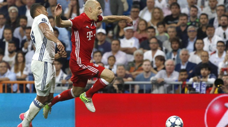 "Robben: 'Our team was ""robbed"".'"